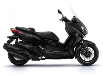 2016-Yamaha-X-MAX-400-IRON-MAX-EU-Liquid-Darkness-Studio-002