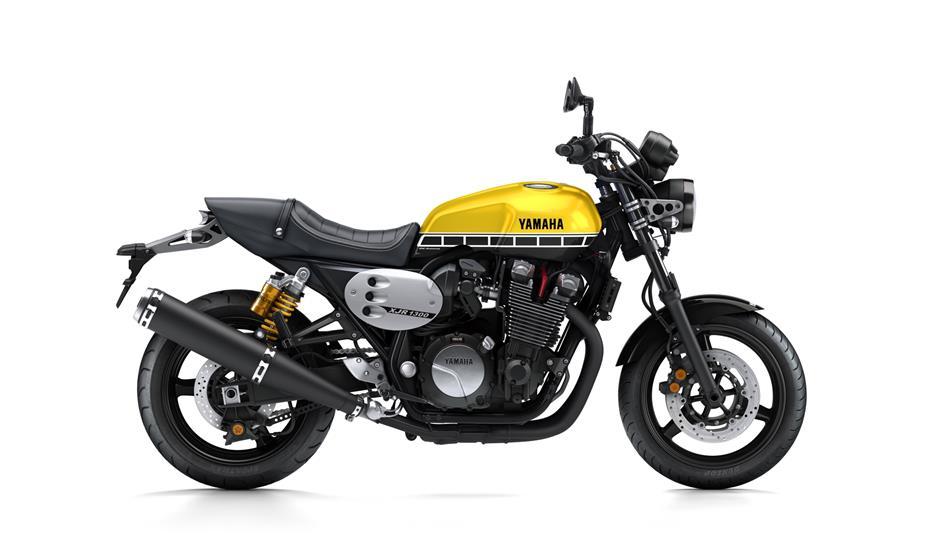 2016-Yamaha-XJR1300-EU-60th-Anniversary-Studio-002