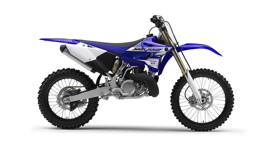 2016-Yamaha-YZ250-ES-Racing-Blue-Studio-002