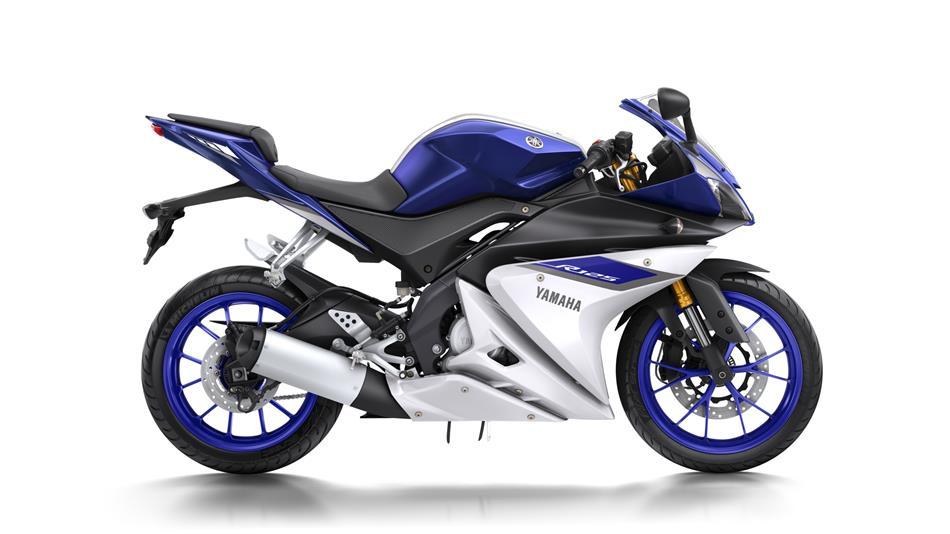 2016-Yamaha-YZF-R125-EU-Race-Blu-Studio-002